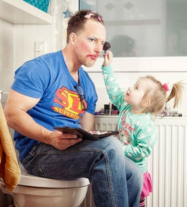 210405-600-1451327558-11503310-R3L8T8D-600-awesome-dad-fatherhood-moments-2__605