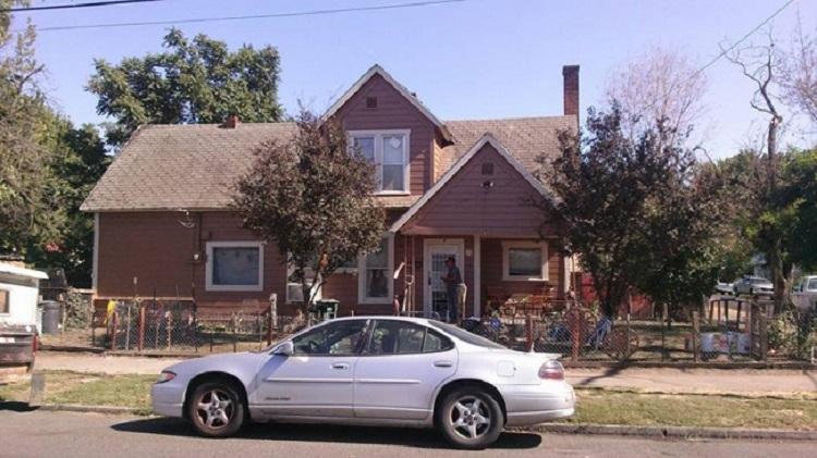 220705-650-1451336526-house-makeover-paint-josh-cyganik-4