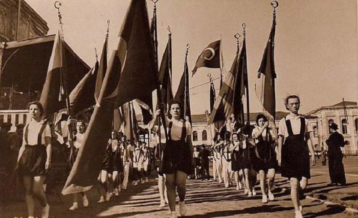 Festival_of_Youth_and_Sports,_1939,_Turkey