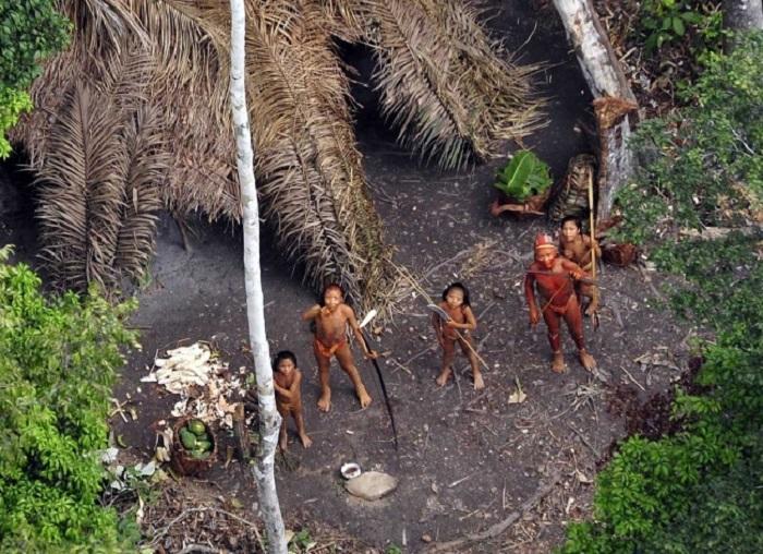 279805-R3L8T8D-650-aborigenyi-Severnogo-Sentinelskogo-ostrova