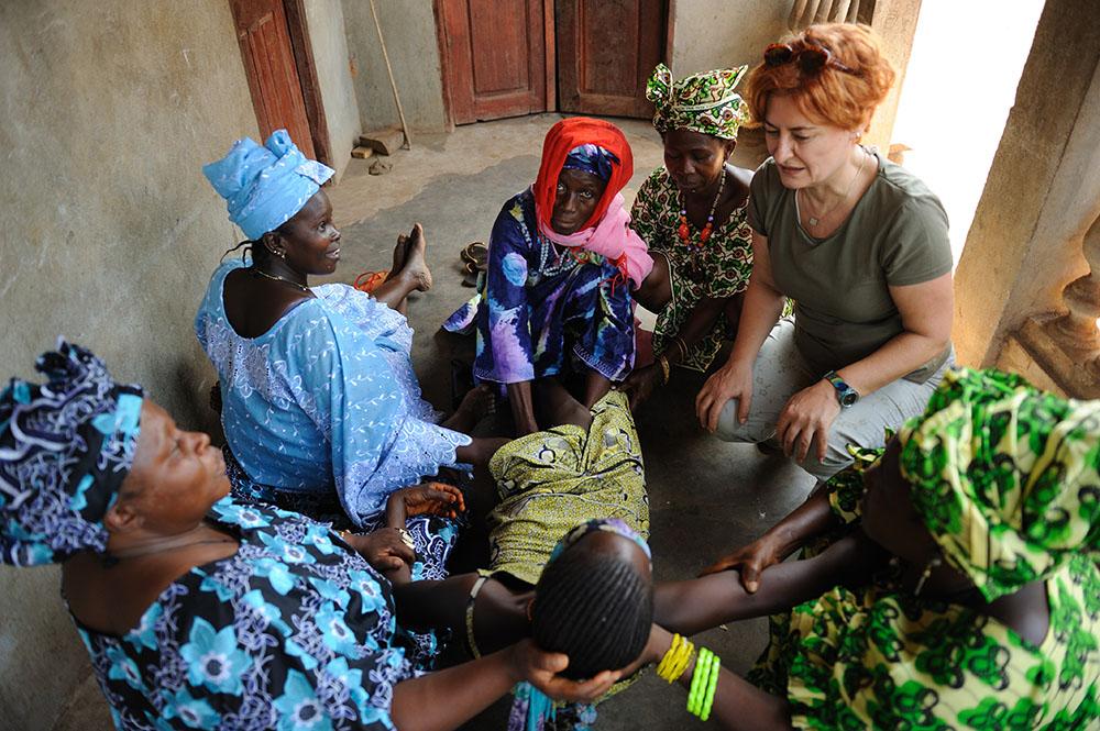 Gine'de Kadın Sünneti